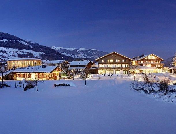 hotel-kirchner-bramberg-avond-winter.jpg