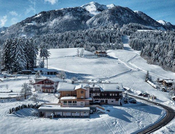 hotel-grosslehen-fieberbrunn-winter-overzicht.jpg