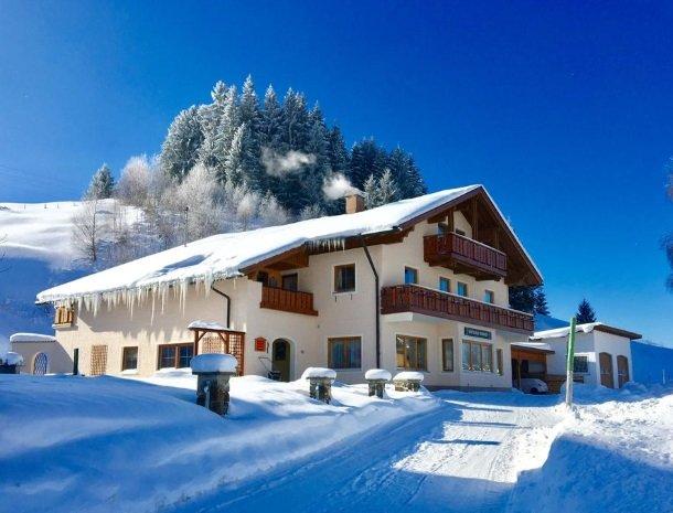 haus-tannhof-jungholz-tirol-winter-huis.jpg