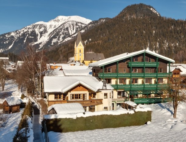 hotel_kogler-badmitterndorf-winter-kerk.jpg