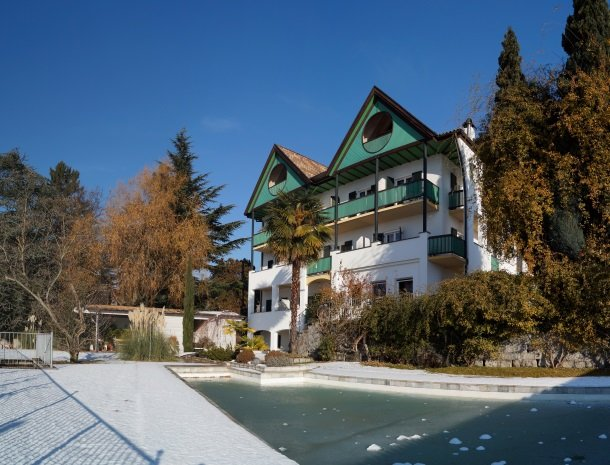 hotel-pension-verdorfer-merano-winter.jpg