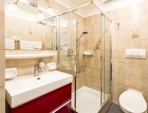 hotel-pension-verdorfer-merano-badkamer.jpg