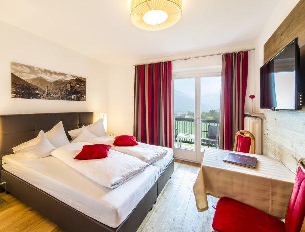 hotel-pension-verdorfer-merano-slaapkamer-modern.jpg