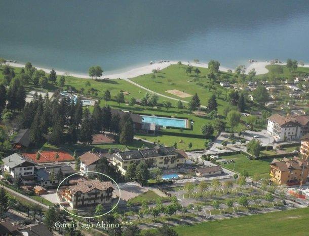 garni-lago-alpino-molveno-ligging.jpg
