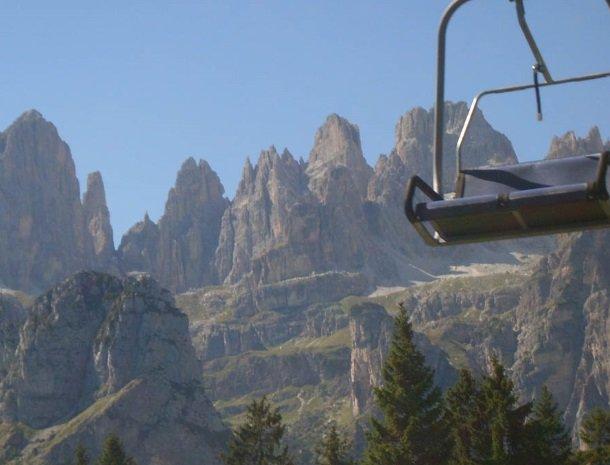 brenta-dolomieten-trentino-stoeltjeslift.jpg