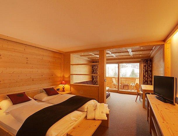 hotel-arnaria-ortisei-trentino-slaapkamer-superior.jpg
