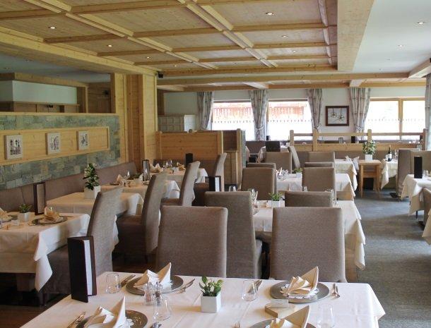 hotel-arnaria-ortisei-trentino-restaurant.jpg