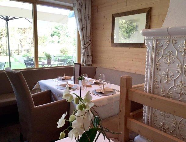 hotel-arnaria-ortisei-trentino-restaurant-tafel.jpg