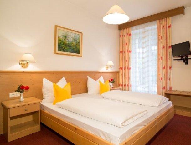 hotel-gruberhof-merano-slaapkamer.jpg