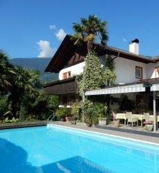 hotel-gruberhof-merano-trentino-met-zwembad.jpg