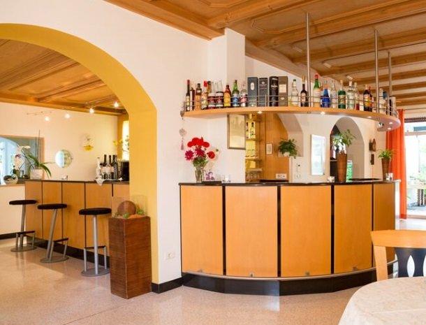hotel-gruberhof-merano-bar.jpg