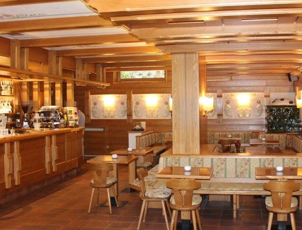 hotel-du-lac-molveno-bar.jpg