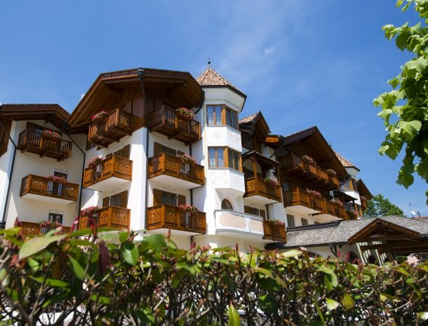 hotel-du-lac-molveno-voorkant.jpg