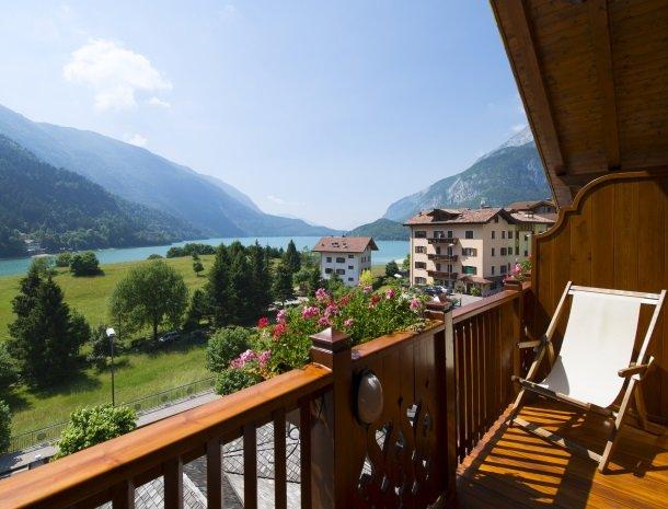 hotel-du-lac-molveno-balkon.jpg