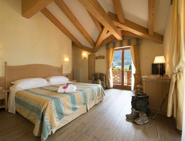hotel-du-lac-molveno-slaapkamer.jpg