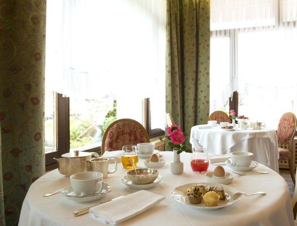 hotel-du-lac-molveno-restaurant-ontbijt.jpg