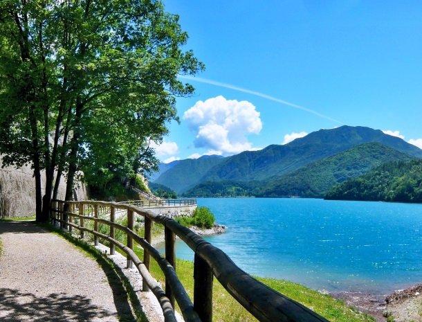 lago di ledro-italie.jpg