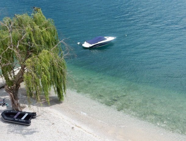 hotel-villa-romantica-limone-sul-garda-helderwater.jpg