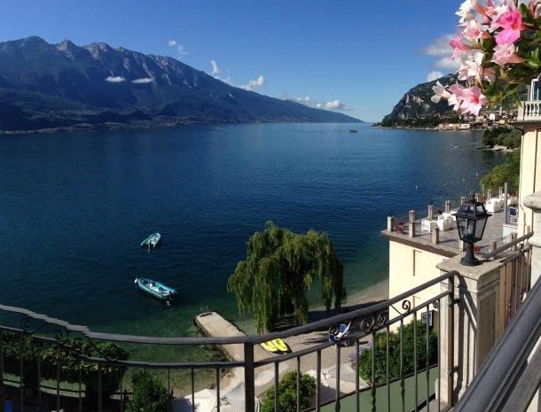 hotel-villa-romantica-limone-sul-garda-uitzicht-gardameer.jpg