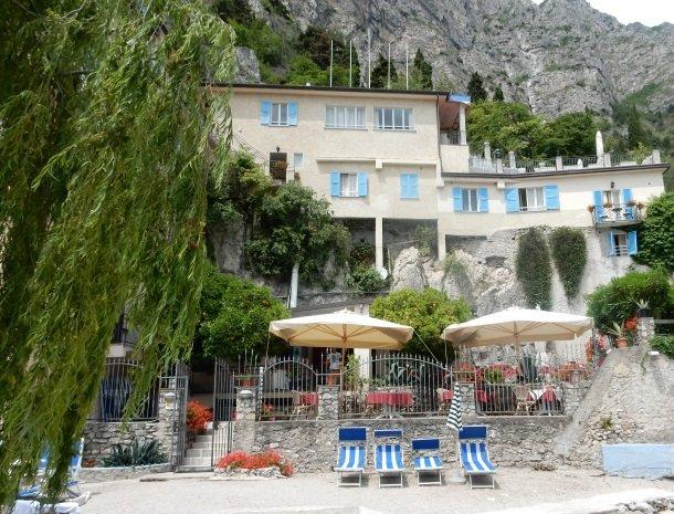 hotel-villa-romantica-limone-sul-garda-terras-strand.jpg