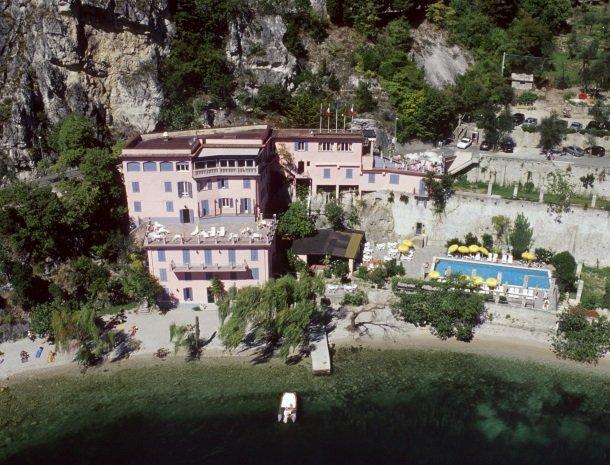 hotel-villa-romantica-limone-sul-garda-ligging.jpg