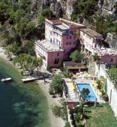 hotel-villa-romantica-limone-sul-garda-gardameer.jpg