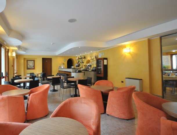 hotel-gallo-tignale-gardameer-italie-bar.jpg