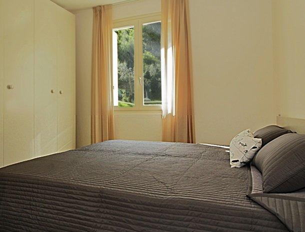residence-little-paradise-gardameer-appartementen-slaapkamer-kast.jpg