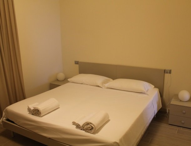 residence-little-paradise-gardameer-appartementen-slaapkamer.jpg