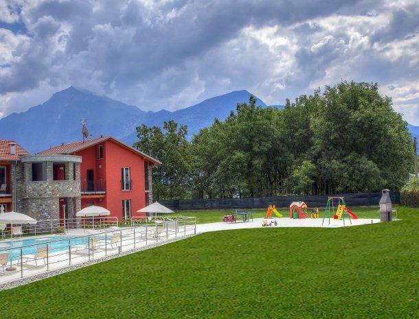 villa-paradiso-gravedona-appartementen-comomeer-tuin-speeltuin.jpg