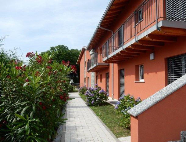 villa-paradiso-gravedona-appartementen-comomeer-achterkant.jpg