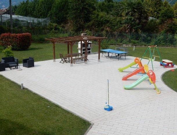 villa-paradiso-gravedona-appartementen-comomeer-speeltuin.jpg
