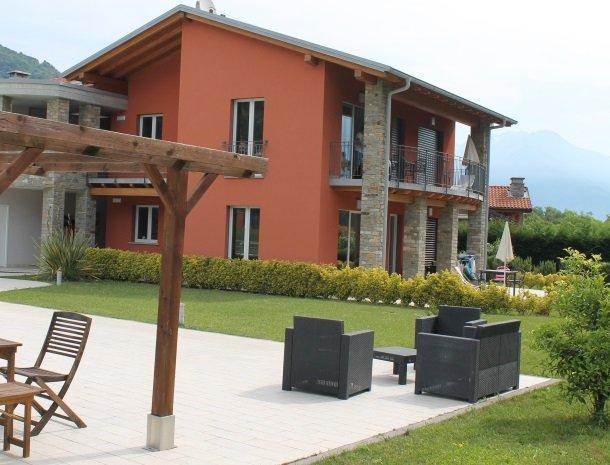 villa-paradiso-gravedona-appartementen-comomeer-zijkant.jpg