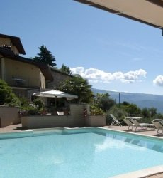 hotel-mariano-gardameer-met-zwembad.jpg