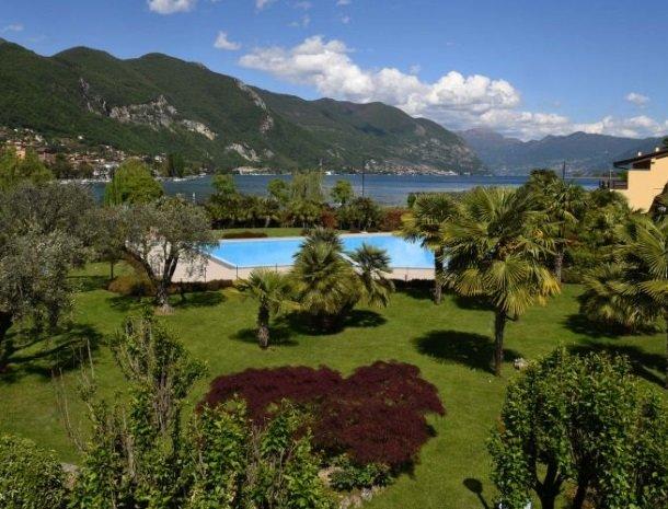 hotel-ulivi-iseomeer-tuin-zwembad.jpg