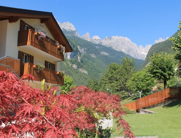 garni-lago-alpina-meer-van-molveno-trentino.jpg