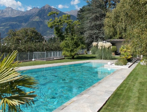 zwembad-hotel-verdofer-merano.jpg