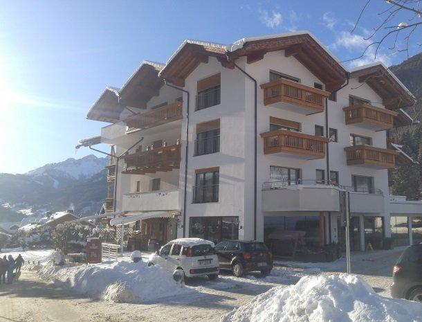 hotel-flora-alpina-dolomieten-winter-sneeuw.jpg