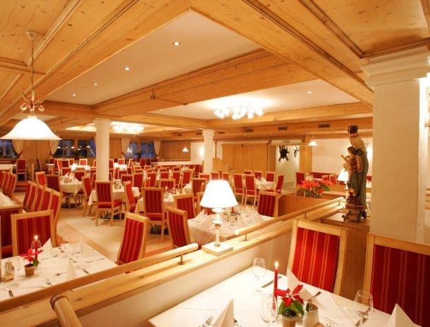 hotel-romerhof-fuschandergrossglockner-restaurant.jpg