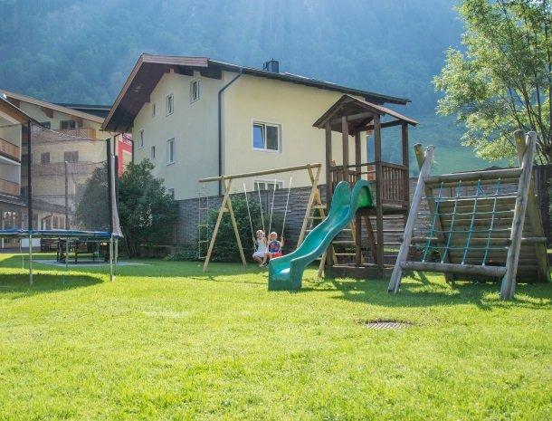 hotel-romerhof-fuschandergrossglockner-speeltuiin.jpg