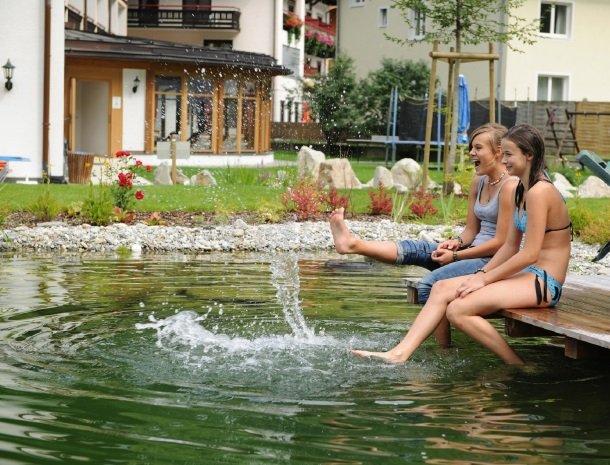 hotel-romerhof-fuschandergrossglockner-zwemmeer.jpg