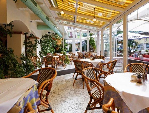 hotel-romerhof-fuschandergrossglockner-overdekt-terras.jpg