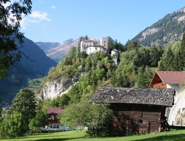 matrei-kasteel-weissenstein.jpg