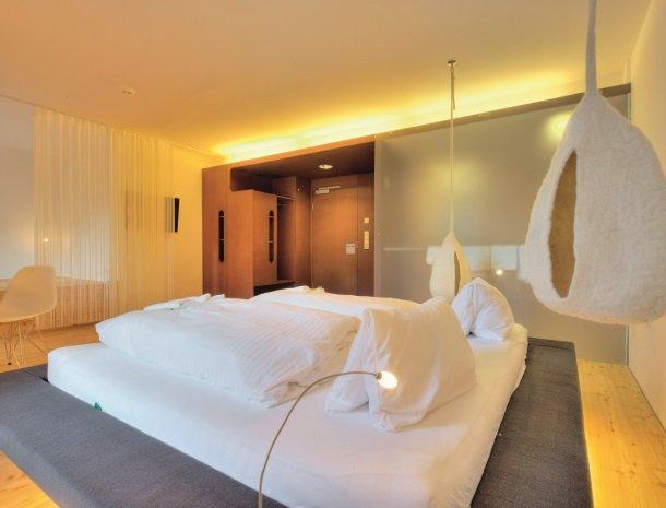 hotel-hinteregger-matrei-tirol-slaapkamer-modern.jpg