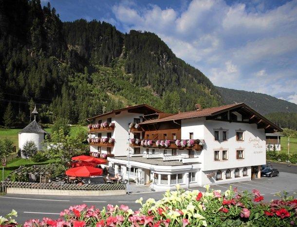 hotel-wiese-pitztal-st-leonhard-zomer.jpg