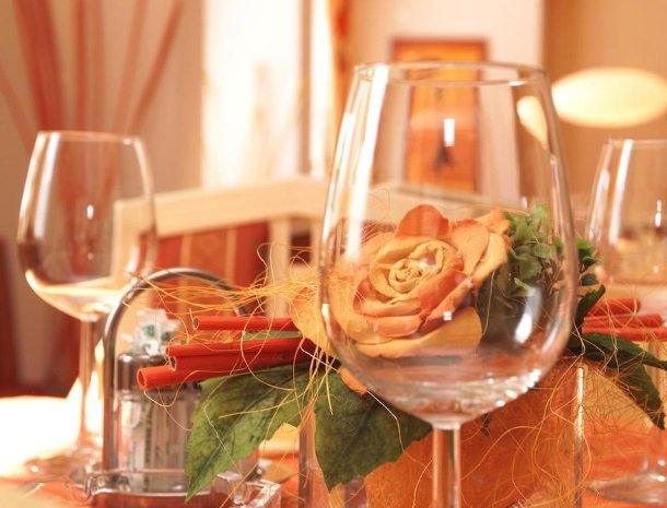 hotel-wiese-pitztal-st-leonhard-restaurant-wijn.jpg