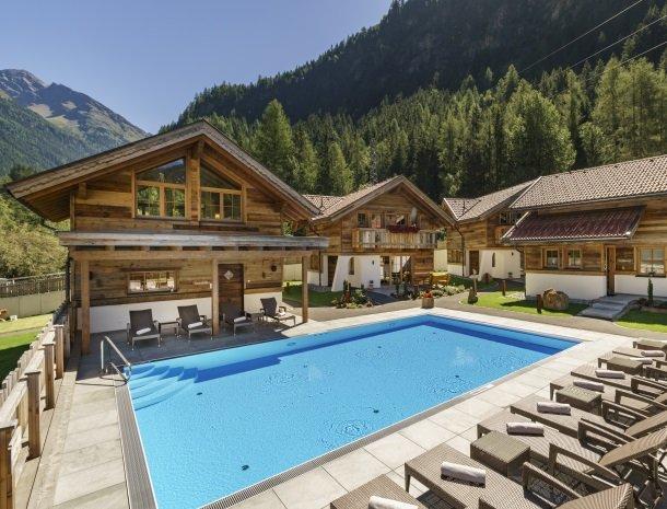 hotel-wiese-pitztal-st-leonhard-zwembad.jpg