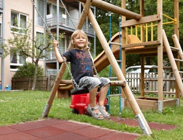 hotel-zur-post-dobriach-speeltuin.jpg