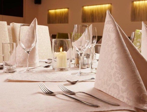 hotel-zur-post-dobriach-restaurant-tafel.jpg