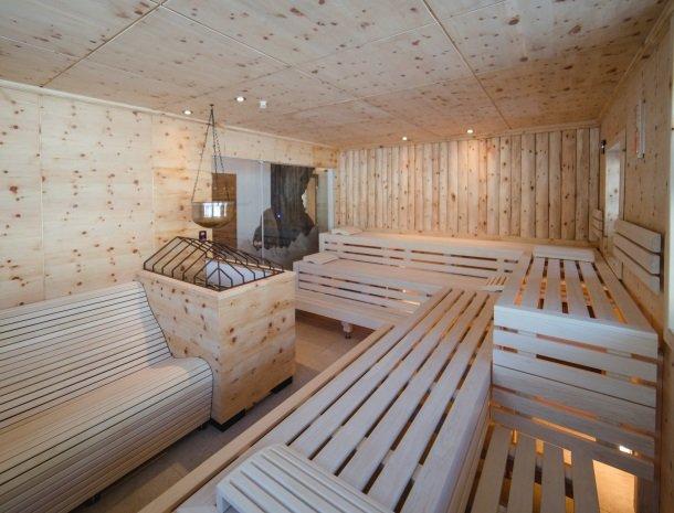 feriendorf-ponyhof-fusch-grossglockner-sauna.jpg